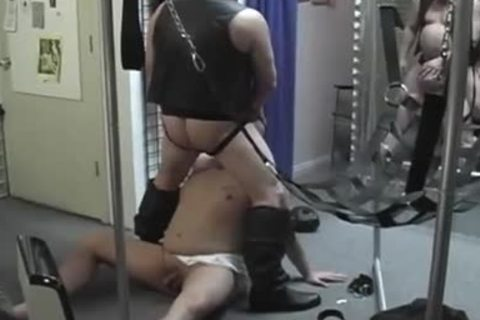 delicious Pig daddy Opens Pig boy toy pleasing Grfacile ass For sexy enjoystudst