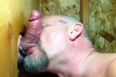 """""""Some men Need kissing"""": Bear sucks pecker And Makes Out In Gloryhole"""