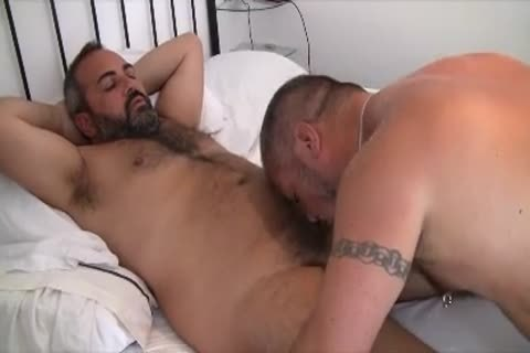 Keychainbears Have fun With Their ally Oceanbear. They suck, plow And Have A Great Time together During The Sitges BearWeek