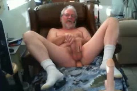 Grande Play With vibrator And sperm