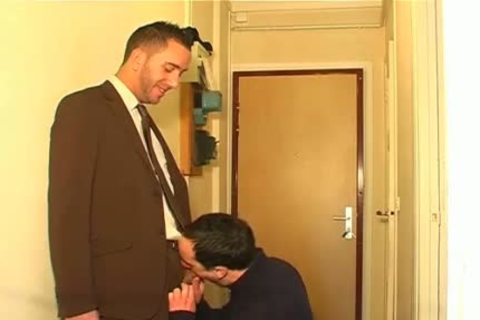Full clip scene: A innocent Neighbour Serviced His large rod By A man!