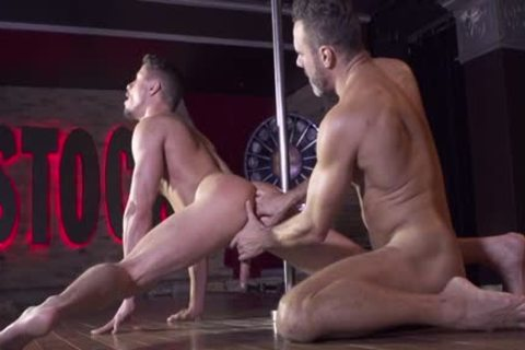 Muscle Bear pooper With Facial cum