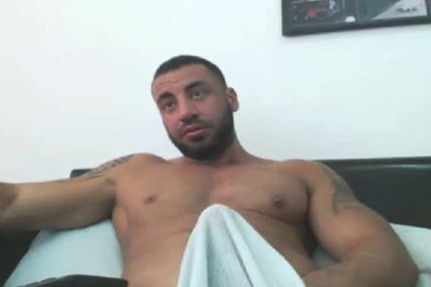 beefy Arab Hunk Edging