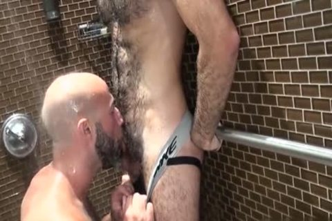 hairy Bear oral-service And ejaculation