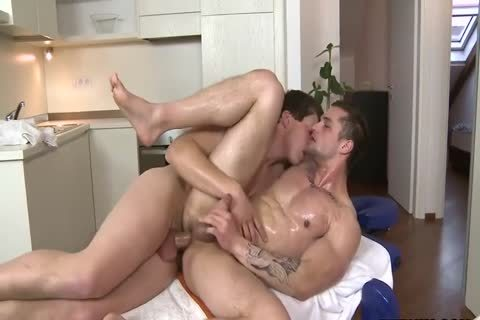 Oiled Hunk & monstrous 10-Pounder