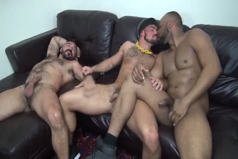 Interracial Muscle Bears dril raw