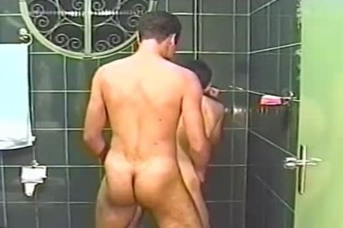 Two handsome boyz suck Each Other Off In The Shower