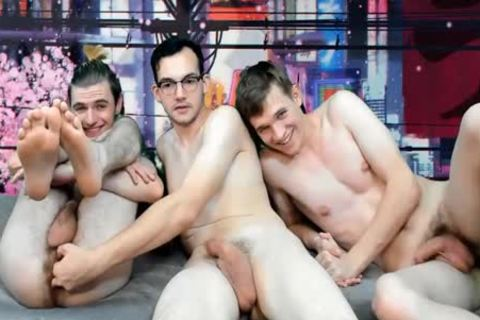 outstanding boys bunch drilling Live On Cruisingcams.com