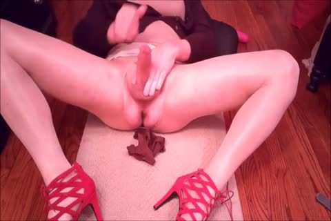 dirty CD Holly Strokes Off In Chocolate panties