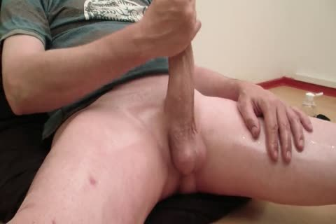 Oiled Jerkoff 200