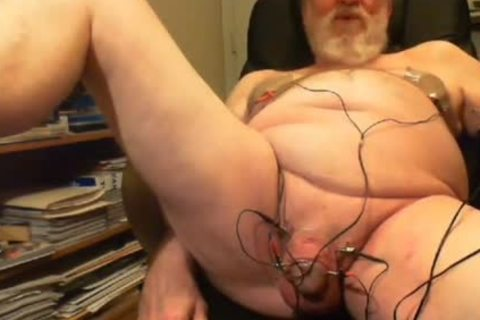 Thehungarianguy old Daddy Electro Stimulation cum Session
