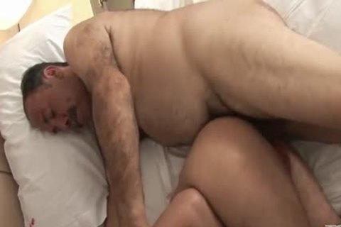 Bear Daddy Kisses And bonks twink long