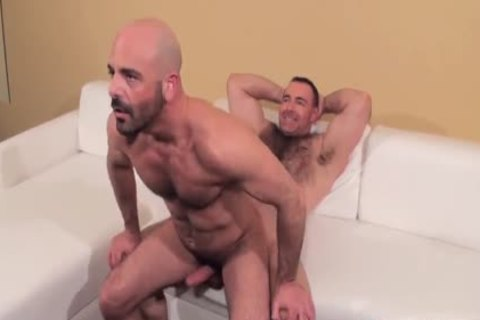 Muscle stud poked bare By fashionable curly Daddy