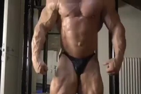 BODYBUILDER enormous cum Compilation!!!