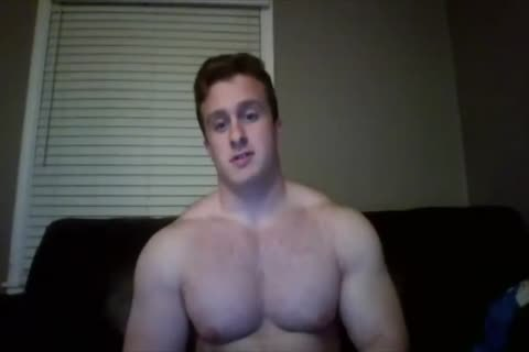beefy Hunk Jerks Off On web camera