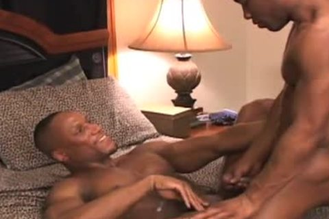 Fit big pecker black men plow on bench